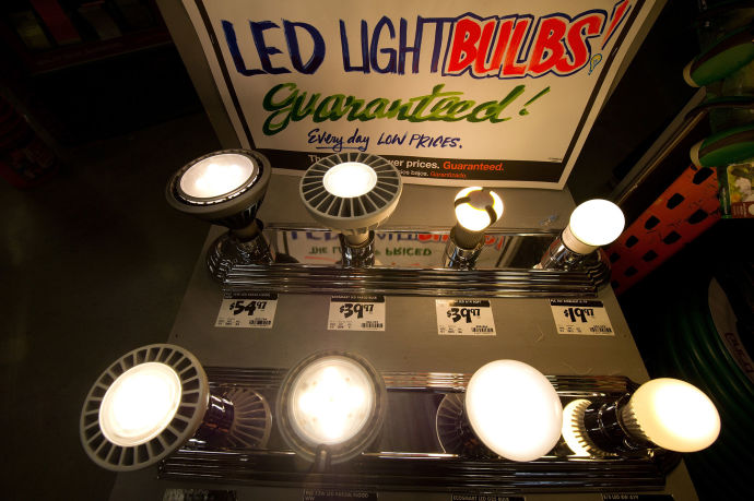 Building bulbs to last poses a vexing problem: no one seems to have a sound business model for such a product. Paradoxically, this is the very problem that the short life span of modern incandescents was meant to solve.
